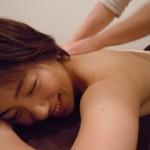筋肉の緊張からくる頭痛とお肌のくすみを軽い運動とアロマで解消!